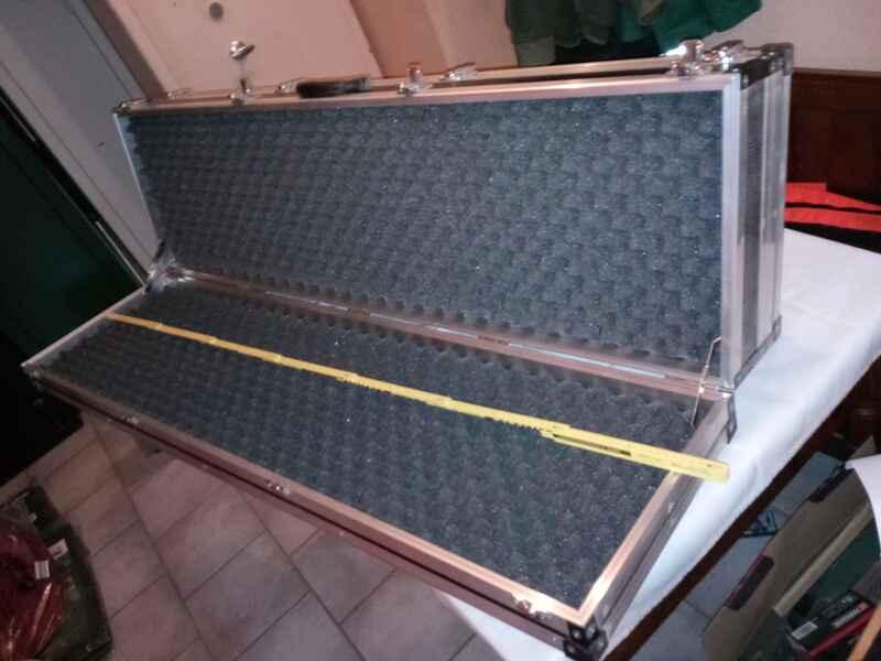 waffenkoffer mit 2 f chern f r 4 6 langwaffen futterale koffer zubeh r. Black Bedroom Furniture Sets. Home Design Ideas